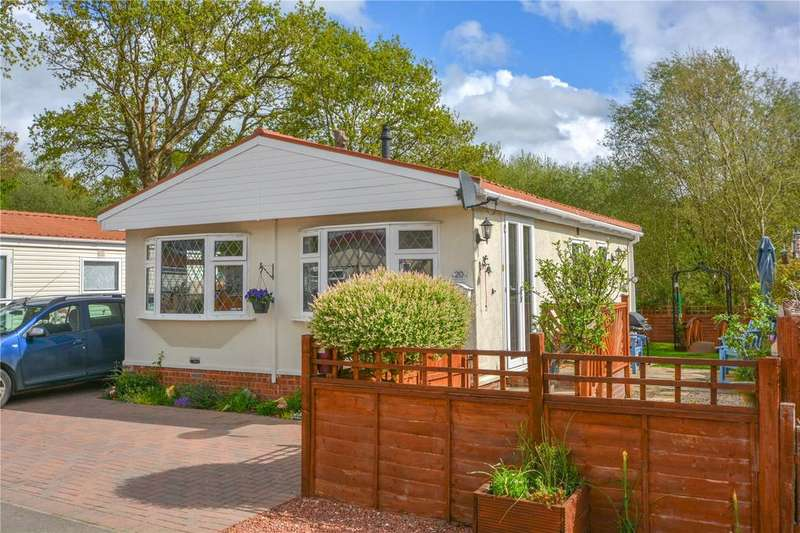 2 Bedrooms House for sale in Robinson Crusoe Park, Park Lane, Finchampstead, Wokingham, RG40