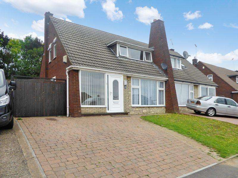 2 Bedrooms Semi Detached House for sale in Wilbury Drive, Dunstable