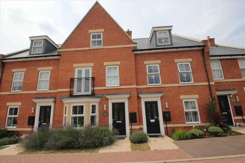3 Bedrooms Town House for sale in The Sandlings, Martlesham, Woodbridge