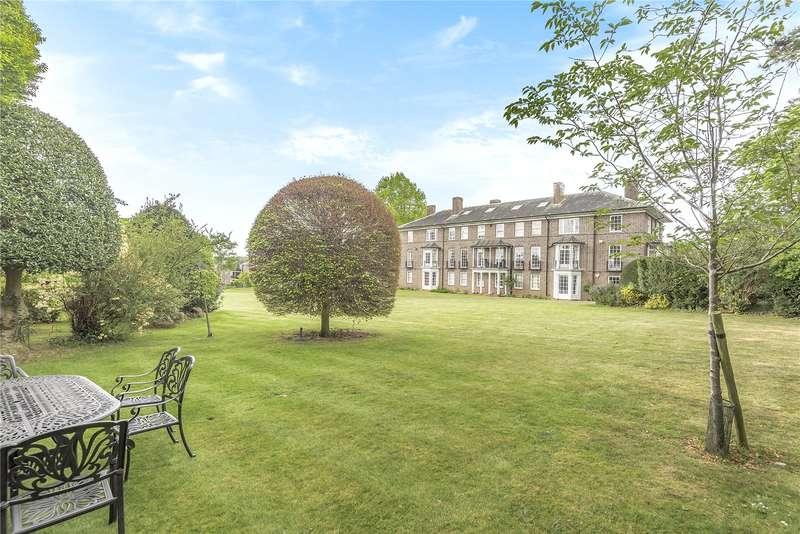 2 Bedrooms Apartment Flat for sale in Park Lawn, Farnham Royal, Buckinghamshire, SL2