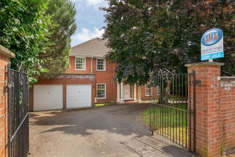 4 Bedrooms Detached House for sale in Brendon Close, Esher
