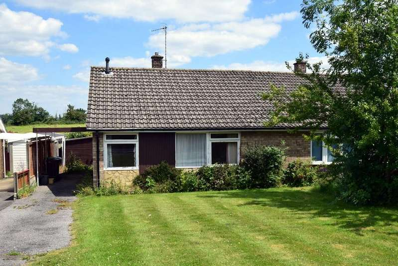 2 Bedrooms Semi Detached Bungalow for sale in Elmlea Road, Kings Stanley, Stonehouse, GL10