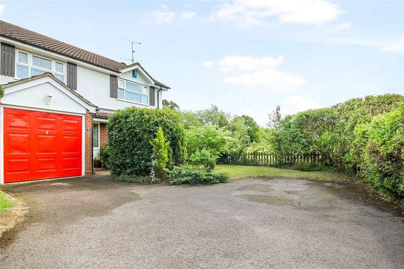 4 Bedrooms Detached House for sale in Hawker Way, Woodley, Reading, Berkshire, RG5