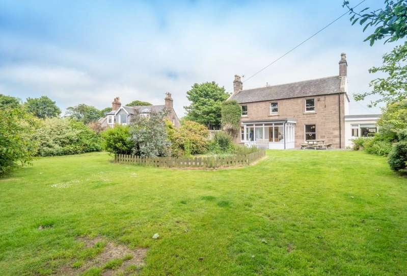 5 Bedrooms Detached House for sale in Beach Road, Montrose
