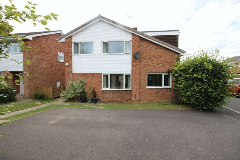 4 Bedrooms Property for sale in Nightingale Gardens, Nailsea
