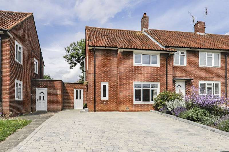 3 Bedrooms Semi Detached House for sale in Honeyhill Road, Bracknell, Berkshire, RG42