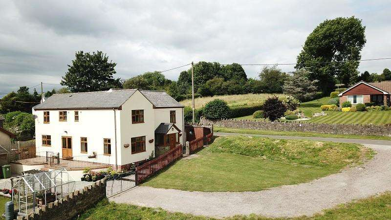 4 Bedrooms Detached House for sale in Wesley Road, Ruardean Woodside, Ruardean, Gloucestershire. GL17 9XX