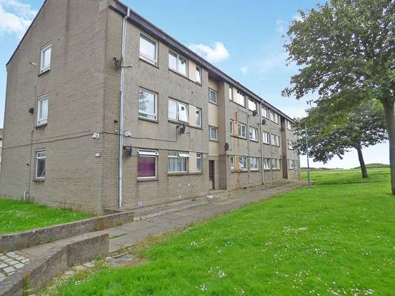 2 Bedrooms Flat for sale in Balnagask Circle, Aberdeen, Aberdeenshire, AB11 8TT