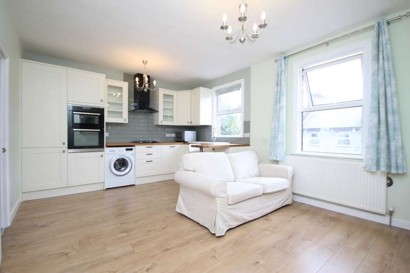 1 Bedroom Flat for sale in Tower Mews, Walthamstow, London, E17
