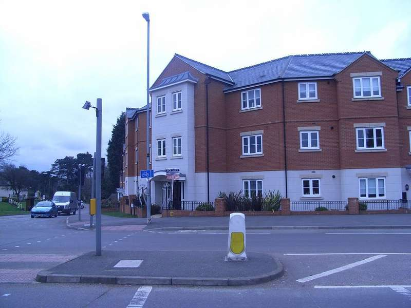 2 Bedrooms Flat for rent in Hallfields Lane, Rothley , Leicester LE7