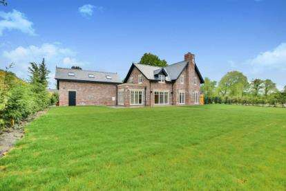 5 Bedrooms Detached House for sale in Newton Hall Lane, Mobberley, Knutsford, Cheshire