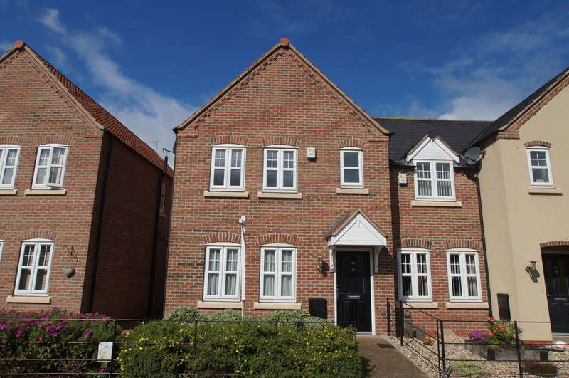 3 Bedrooms Semi Detached House for rent in Station Road, Nafferton