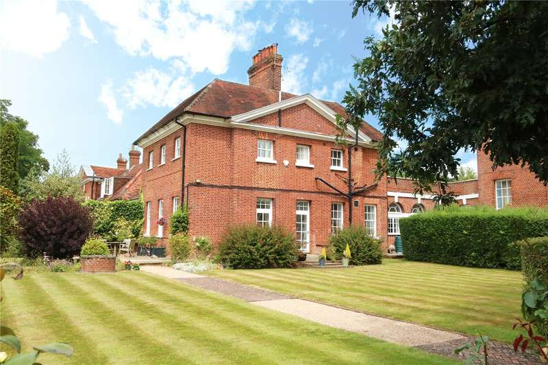 3 Bedrooms Link Detached House for sale in Calcot Court, Calcot, Berkshire, RG31