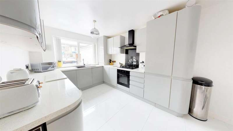 3 Bedrooms Terraced House for sale in Rodfords Mead, Hengrove