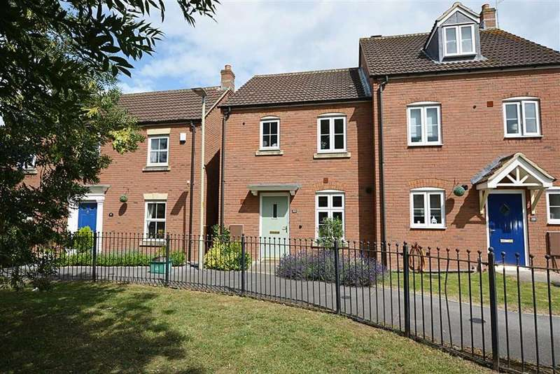 3 Bedrooms Semi Detached House for sale in Chivenor Way, Kingsway