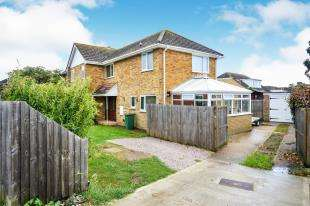 3 Bedrooms Semi Detached House for sale in St Mary's Road, Dymchurch, Romney Marsh, Kent