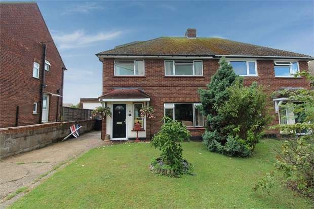 4 Bedrooms Semi Detached House for sale in Pantile Hill, Southminster, Essex