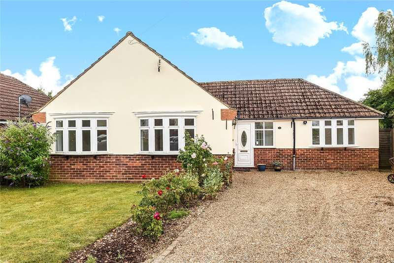 3 Bedrooms Detached Bungalow for sale in Northdown Road, Chalfont St. Peter, Gerrards Cross, Buckinghamshire, SL9