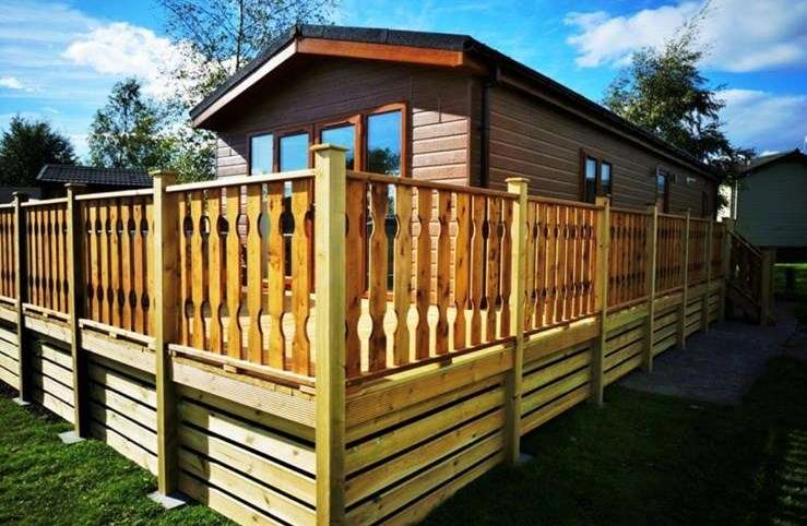 2 Bedrooms Lodge Character Property for sale in Borwick Lane, Dock Acres, Carnforth, LA6