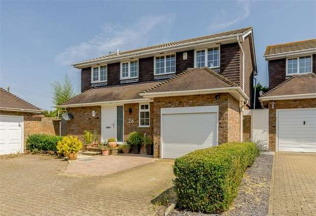 4 Bedrooms Detached House for sale in Rustic Park, Telscombe Cliffs, Peacehaven, East Sussex