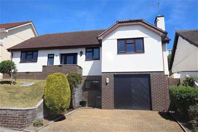 4 Bedrooms Detached Bungalow for rent in Dolphin Crescent, Paignton