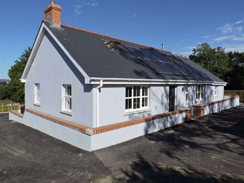 4 Bedrooms Property for sale in New Road, Goodwick