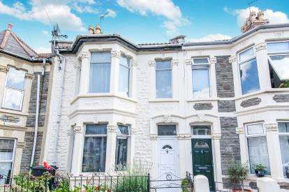 3 Bedrooms Terraced House for sale in Emlyn Road, Greenbank, Bristol