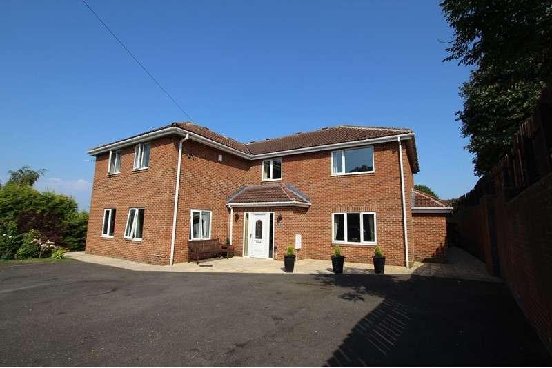 5 Bedrooms Property for sale in Cromwell Street, Gateshead, Tyne & Wear, NE8 3DY