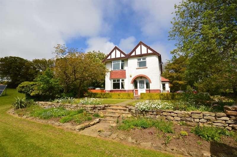 3 Bedrooms Detached House for sale in Staintondale Road, Cloughton, Scarborough, YO13 0AX