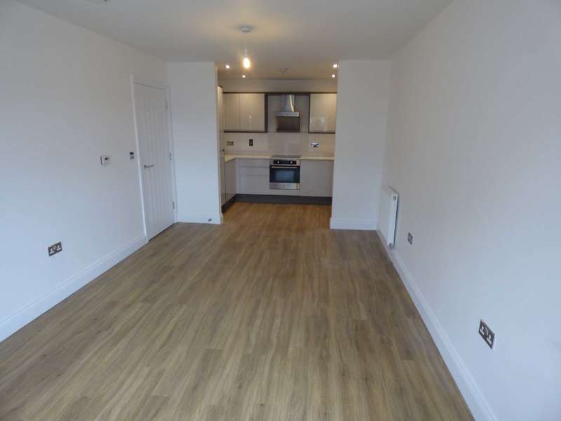 1 Bedroom Apartment Flat for rent in Kensington Court in South Road, Luton