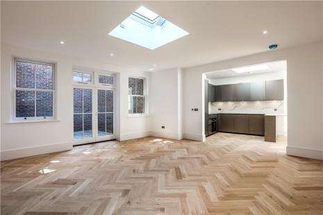 2 Bedrooms Detached House for sale in Star House, High Street
