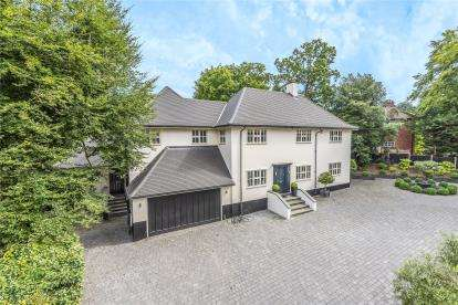 6 Bedrooms Detached House for sale in Homestead Road, Chelsfield Park