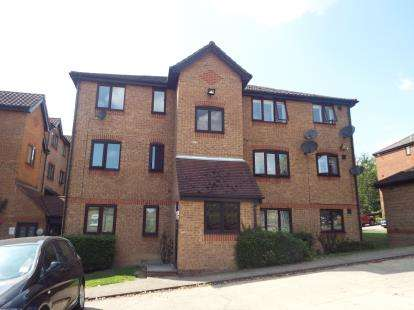1 Bedroom Flat for sale in Linnet Way, Purfleet, Essex