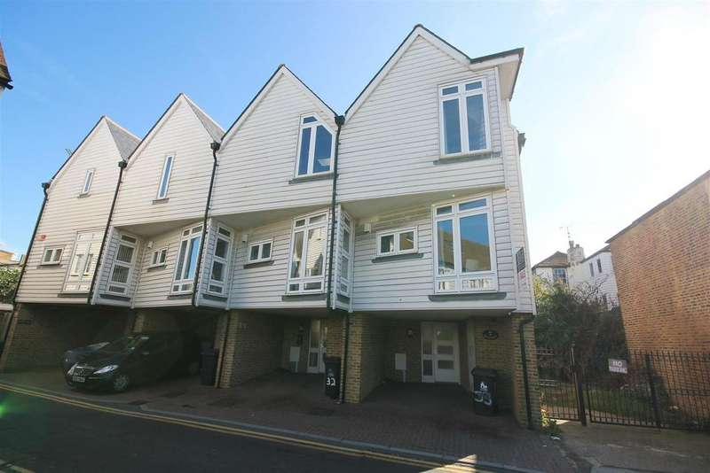 2 Bedrooms Terraced House for rent in Sea Street, Whitstable