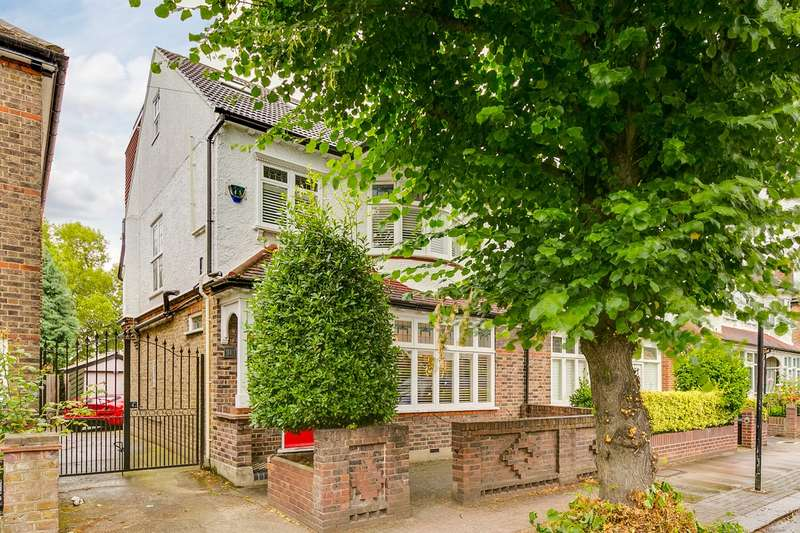 4 Bedrooms Semi Detached House for sale in Thurleigh Avenue, London, SW12