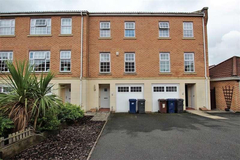 3 Bedrooms Town House for sale in Welbeck Crescent, Bamber Bridge, Preston