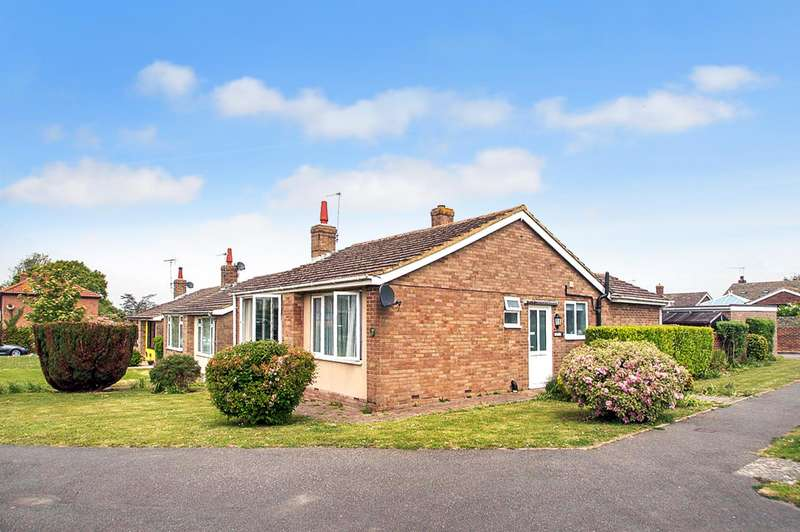 2 Bedrooms Detached Bungalow for sale in St. Johns Drive, Westham