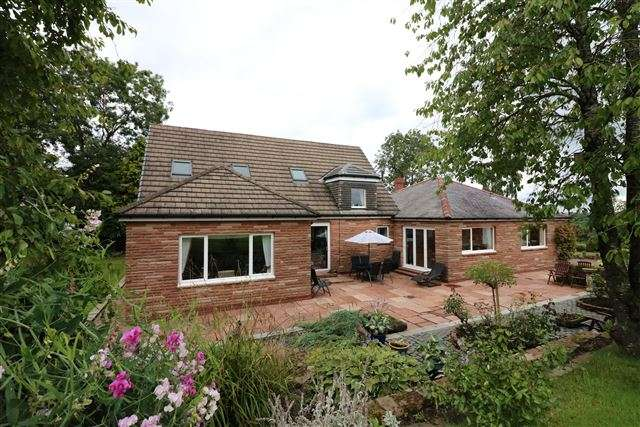 5 Bedrooms Detached House for sale in Broomfallen Road, Scotby, Carlisle, Cumbria, CA4 8DG