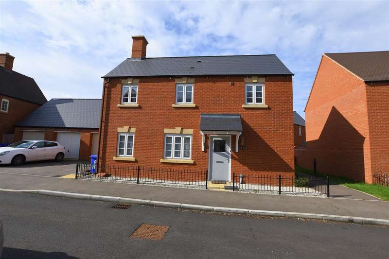 3 Bedrooms Detached House for sale in Andromeda Way, Brackley