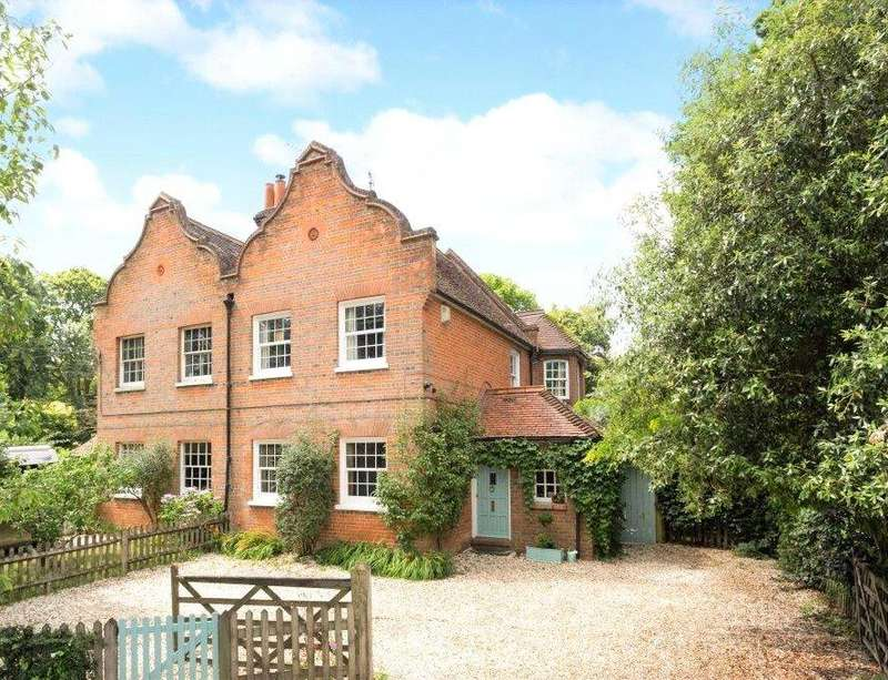 4 Bedrooms Semi Detached House for sale in Mowbray Hill, Mortimer, Berkshire, RG7