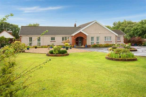 4 Bedrooms Detached Bungalow for sale in Carway, Carway, Kidwelly, Carmarthenshire