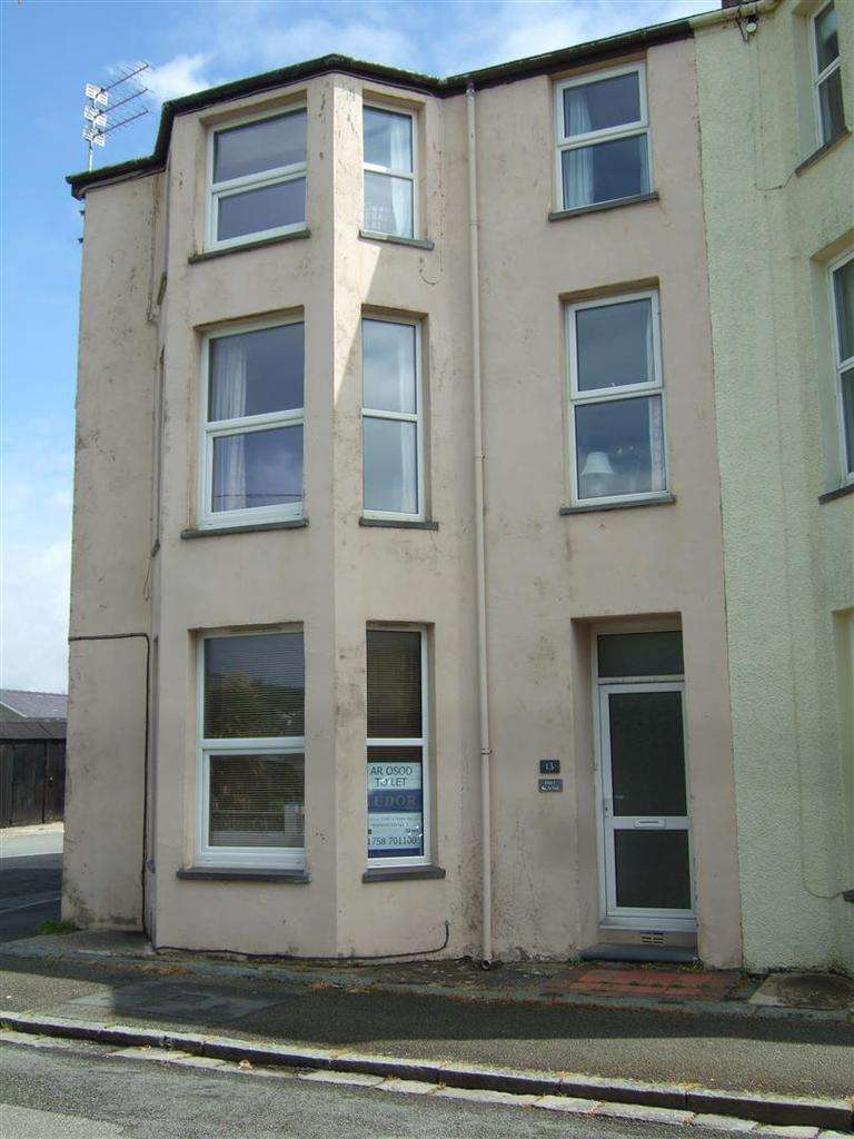 1 Bedroom Flat for rent in 13 Queens Road, Criccieth