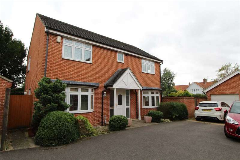 4 Bedrooms Detached House for sale in Garden Drive, Straight Road, Colchester