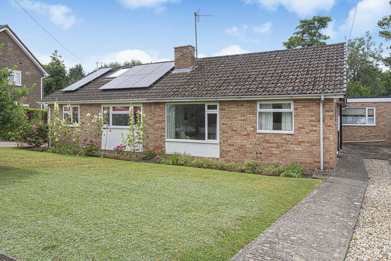3 Bedrooms Semi Detached Bungalow for sale in Between Leckhampton/Charlton Kings, Cheltenham