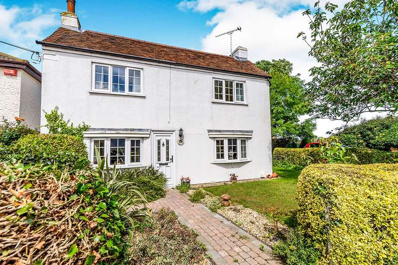 2 Bedrooms Detached House for sale in Allhallows Road, Lower Stoke, Rochester, Kent, ME3