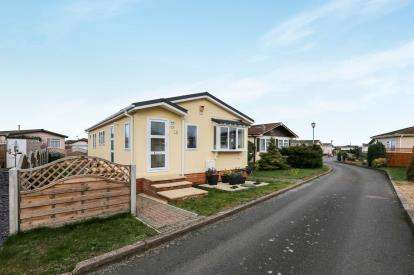 2 Bedrooms Mobile Home for sale in Clifton Park, Clifton, Shefford, Beds