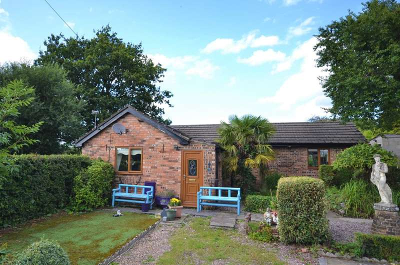 2 Bedrooms Detached Bungalow for sale in Blakelow Gardens, Macclesfield