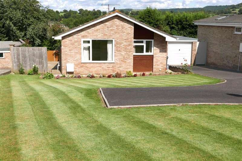 3 Bedrooms Detached Bungalow for sale in Ryder Close, Norman Hill, Cam, GL11