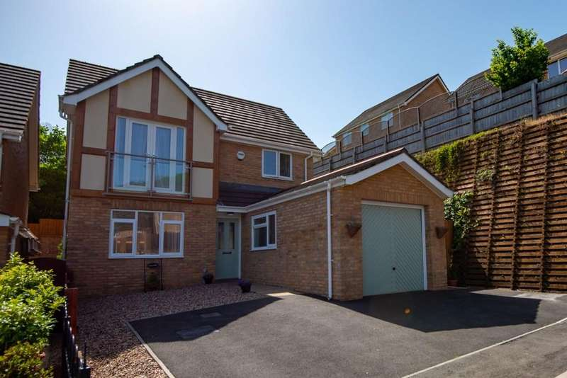 4 Bedrooms Detached House for sale in Woodside Walk, Wattsville