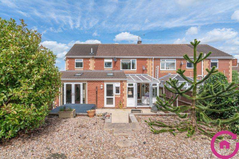 5 Bedrooms Semi Detached House for sale in Wilkes Avenue, Gloucester